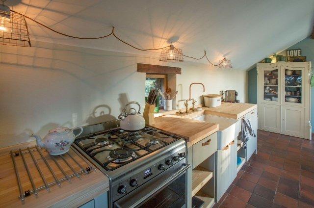 Eethoek Keuken : Ook de goed ingerichte keuken (inclusief oven, vaatwasser en Nespresso